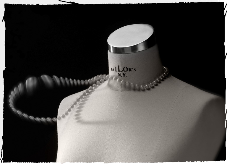 Busto Tailor's N.Y. con collana di perle: fashion!